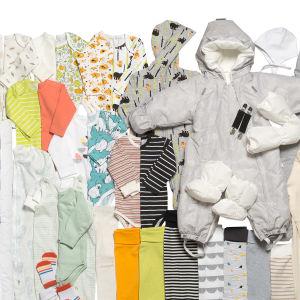 En bild på mammlådan 2019 - på bilden syn diverse kläder
