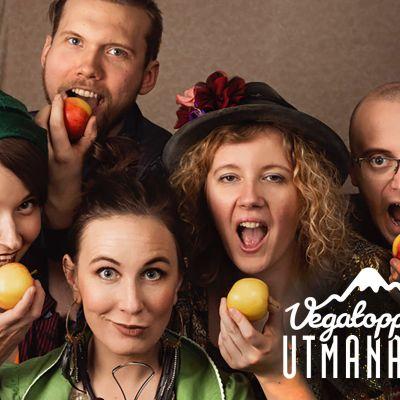 La Riippa Group äter frukt.