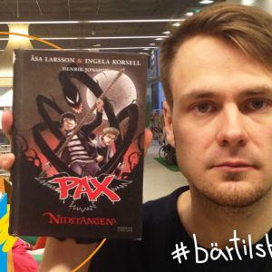 Barnbibliotekarie Mikael Gros för Bärtils bokklubb