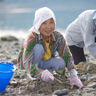 Kaksiosainen BBC:n dokumenttisarja paljastaa käytännön keinoja, joilla voi hidastaa vanhenemista.