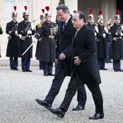 David Cameron ja François Hollande tapaavat Pariisissa.