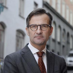 Porträttbild på Finansinspektionens vd Erik Thedéen.