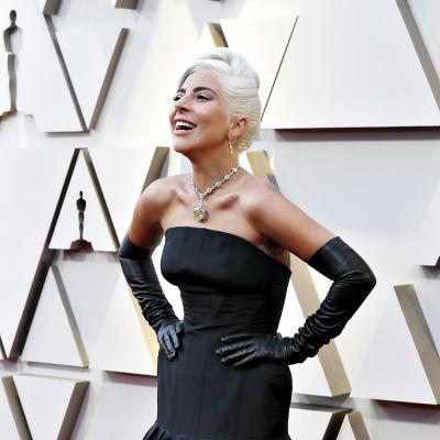 Lady Gaga saapumassa Oscar-gaalaan 24. helmikuuta.