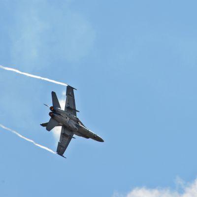 Lapin Lennosto saa kesän mittaan kymmenkunta Hornet-hävittäjää lisää