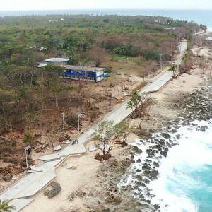 Väg som förstörts på ön San Andres efter orkanen Iotas framfart