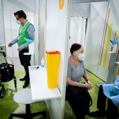 Rokotuspiste Berliinissä.