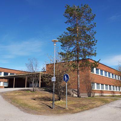 Vaaranlammen koulu Rovaniemellä.