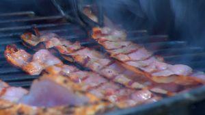 Paul grillar bacon
