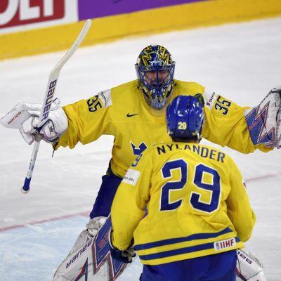 William Nylander ja Henrik Lundqvist