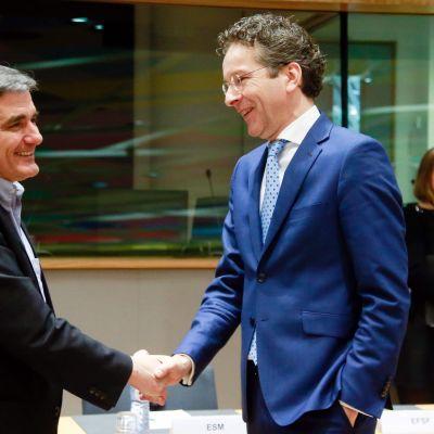 Kreikan valtiovarainministeri Eukleidis Tsakalotos ja euroryhmän puheenjohtaja Jeroen Dijsselbloem Brysselissä maanantaina 20. helmikuuta.