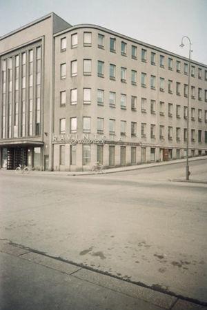 Sibelius-Akatemian rakennus Pohjoisella Rautatiekadulla vuonna 1953.