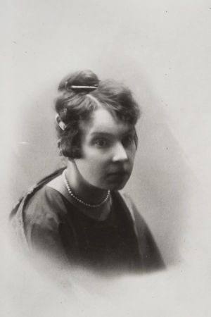 Runoilija L. Onerva.
