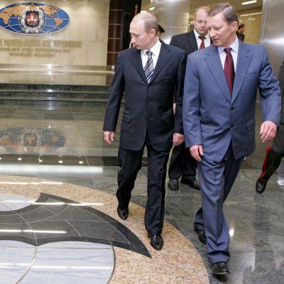 Vladimir Putin ja Sergey Ivanov.