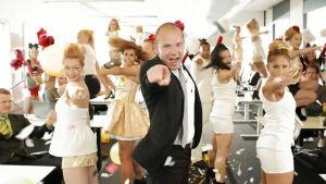 Skärmdump från Vitaepros reklam med Nicke Lignell i huvudrollen.