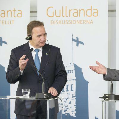 Presidentti Sauli Niinistö (oik) ja Ruotsin pääministeri Stefan Löfven Kultarannassa 19. kesäkuuta.