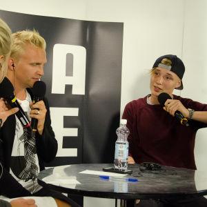 Under spelningen berättade Ikke att hans kändiscrusch är Zara Larsson.