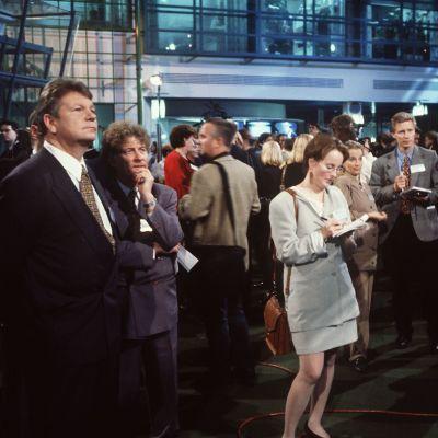 Kuntavaalit ja europarlamenttivaalit 1996, vaalitulosohjelmaa tehdään Ylen Isossa Pajassa.