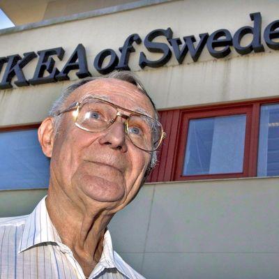 Ingvar Kamprad IKEAn pääkonttorilla Älmhultissa.