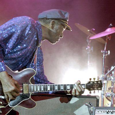 Chuck Berry esiintymässä Lontoossa vuonna 2002.