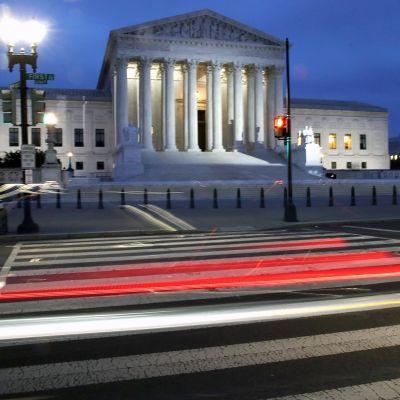 Yhdysvaltain korkeimman oikeuden rakennus Washingtonissa.