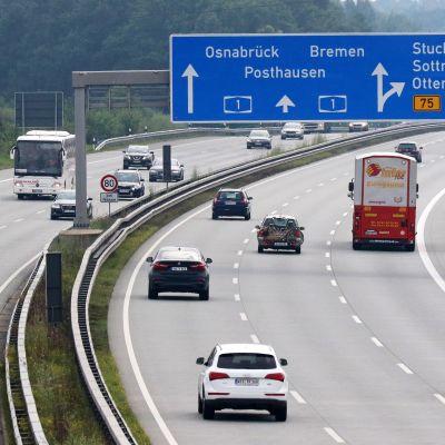 A1-moottoritie Pohjois-Saksassa.