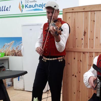 Kyösti Järvelä ja Lauri Kotamäki ovat yhtä kuin MäSä Duo.