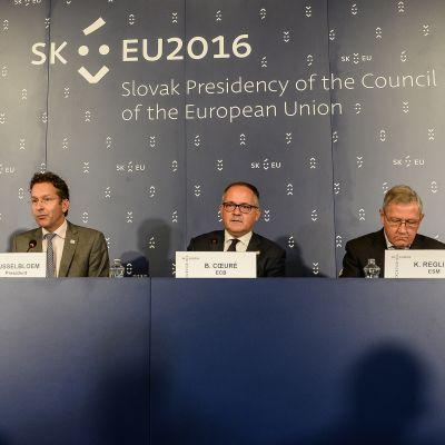 Euroryhmä kokoontui aamupäivällä Slovakian pääkaupungissa Bratislavassa.