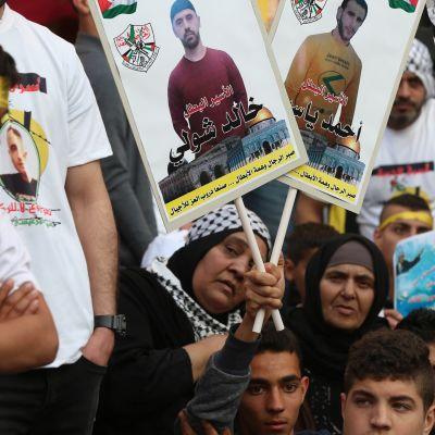 Palestiinalaisia mielenosoittajia
