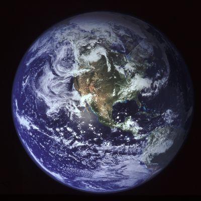 Maapallo avaruudesta katsottuna.