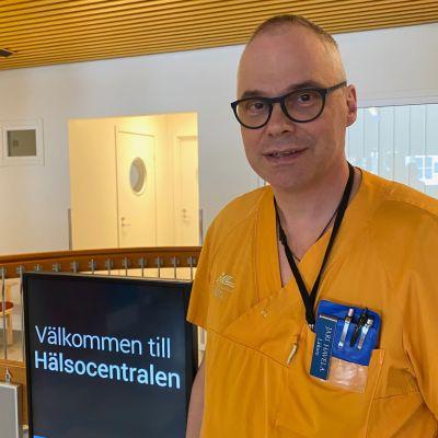 Haaparannan ja Ruotsin Ylitornion johtava lääkäri Jari Havela.