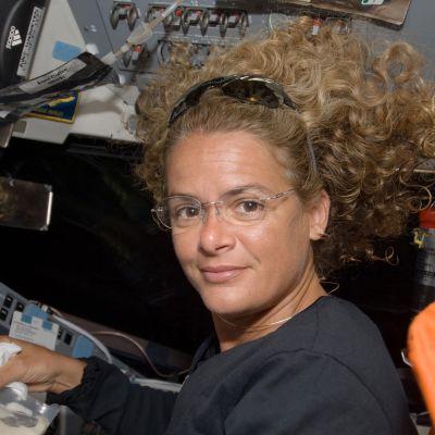 Astronautti Julie Payette STS-127 avaruussukkulalennolla vuonna 2009.