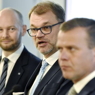 Talousarvioneuvotteluiden tuloksista tiedotustilaisuudessa.