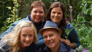 Elisabeth Morney, Camilla Forsén-Ström,  Alexandra De Paoli och Owe Salmela i Trädgården på Strömsö