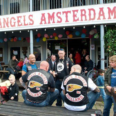 Helvetin enkelien klubi Amsterdamissa 2008.