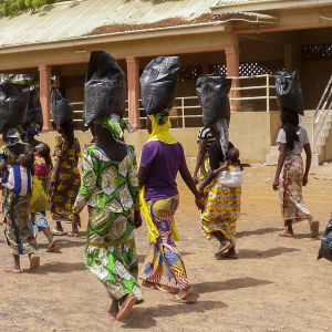 Boko Haram har utfört ett trettiotal attacker av olika slag, främst i Niger och grannlandet Nigeria. Over två miljoner människor har tvingats fly från sina hem, som dessa nigerianska flyktingar i delstaten Yolo