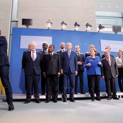 Euroopan johtajat asettautuvat ryhmäkuvaan Berliinissä.