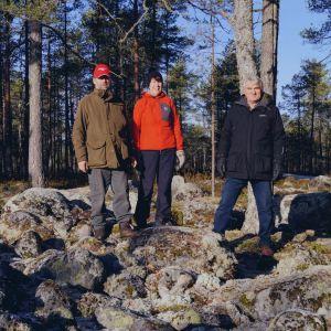 John-Erik Jussila, Gunilla Hällund och Harald Finne på Tornberget.