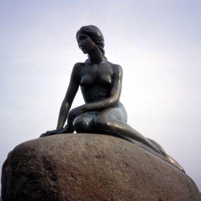 Pieni merenneito -patsas Tanskan Kööpenhaminassa.