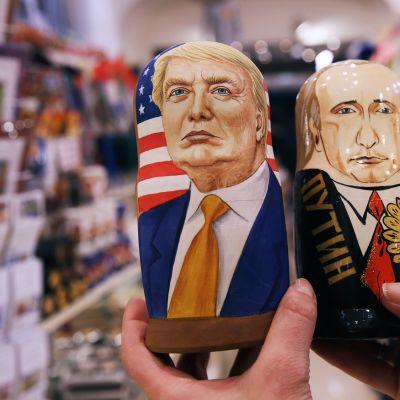 Trumpia ja Putinia esittävät maatuskanuket.