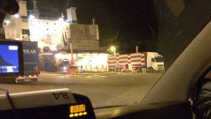 Djurtransport kör av fartyg i Paldiski