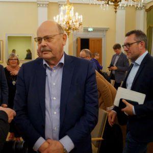 Peter Boström leder fullmäktige i Jakobstad.