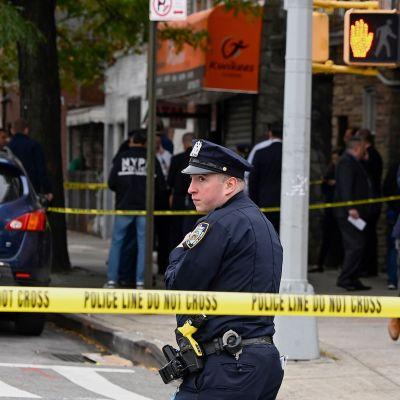 Poliisi on eristänyt tapahtumapaikan.