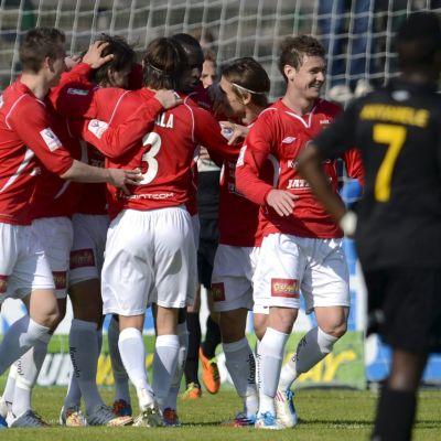 MYPA och FC Honka möttes i ligan 2014.