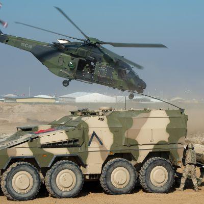 NATO -joukkojen harjoitukset lähellä Mazar-e-Sharifia Afganistanissa.