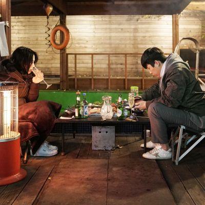 Jinhee Kim ja  Joo Seok Oh ovat tulleet viettämään sunnuntai iltaa leiritunnelmiin.