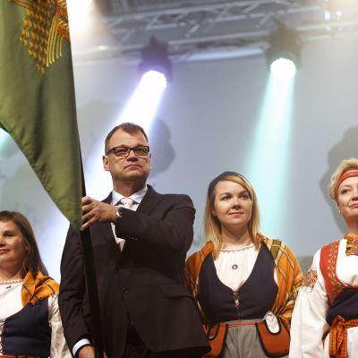 Juha Sipilä keskustan puoluekokouksen avajaisissa Sotkamossa