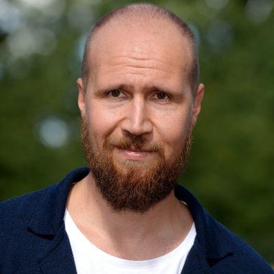 Vihreiden puheenjohtaja Touko Aalto.
