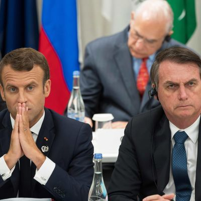 Ranskan presidentti Emmanuel Macron ja Brasilian presidentti Jair Bolsonaro G20-maiden kokouksessa Osakassa heinäkuussa.