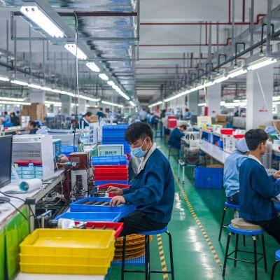 Kiinalaista elektroniikkateollisuutta.