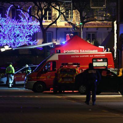 Strasbourgin joulutori muuttui ampumisen jälkeen pelastushenkilöstön ja turvallisuusviranomaisten toimialueeksi.